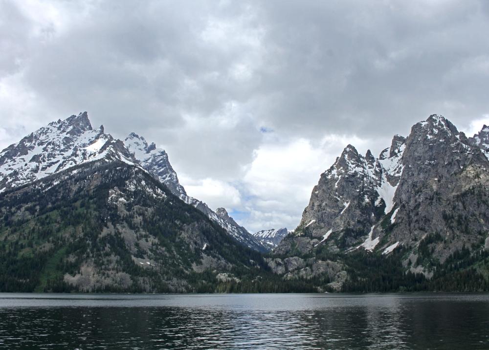 Tetons-over-the-lake